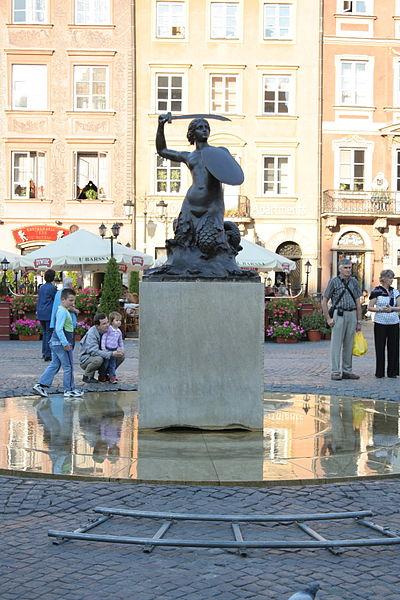 http://upload.wikimedia.org/wikipedia/commons/thumb/9/99/2007-09-23_Pomnik_Syrenki_Warszawskiej_na_Starym_Miescie_3.jpg/400px-2007-09-23_Pomnik_Syrenki_Warszawskiej_na_Starym_Miescie_3.jpg