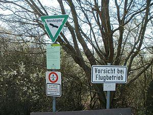 20120402Flugplatz Herrenteich4.jpg