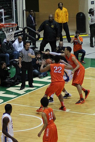 Double team - Image: 20130126 White Okafor doubleteam leads to Okafor block of Parker at Simeon Whitney Young game (1)
