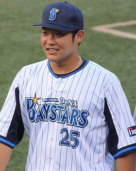 20140906 Tsutsugo Yoshitomo, infielder of the Yokohama BayStars, at Yokohama Stadium.JPG