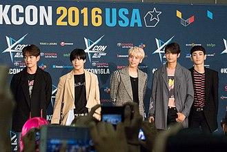 Shinee - Image: 20160730 P1000584 (28876032575)