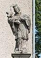 2017 Rzeźba św. Jana Nepomuena w Mostowicach 2.jpg