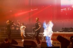 2 Unlimited - 2016332014817 2016-11-26 Sunshine Live - Die 90er Live on Stage - Sven - 1D X II - 2015 - AK8I7679 mod.jpg