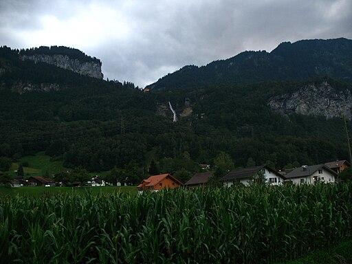 6166 - Meiringen - Reichenbachfall viewed from Aareschluchtstrasse