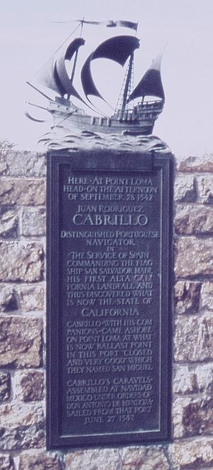 English: Commemorative Plaque at the Cabrillo ...