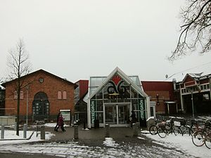 Asecs (shopping mall) - One of the entrances in January 2015
