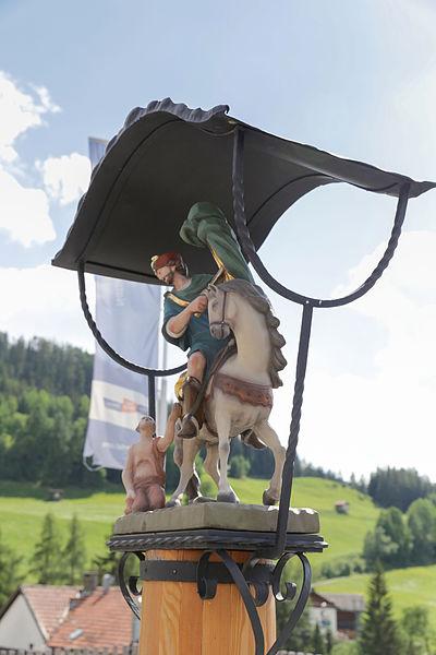File:AT 89281 Dorfbrunnen Hl. Martin, Fendels-7503.jpg