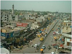 A view of Railway Road, Jhelum002.JPG
