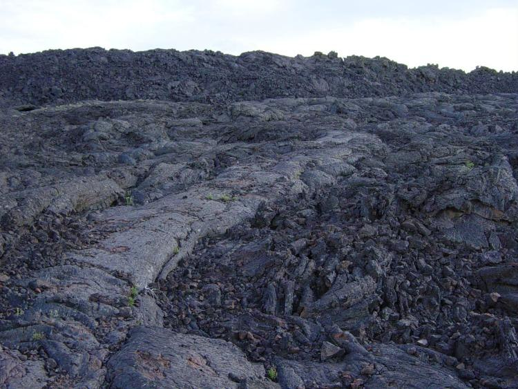 Aa next to pahoehoe lava at Craters of the Moon NM-750px