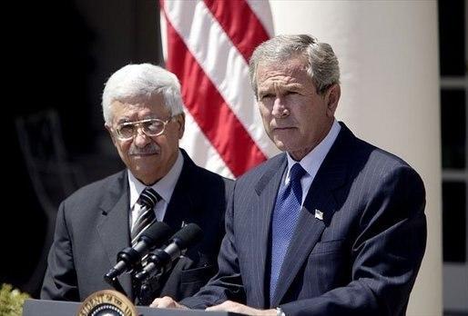 Abbas in White House with Bush