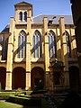 Abbaye Saint-Clément - contreforts de l'église.JPG