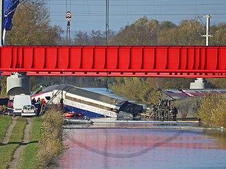 Eckwersheim derailment - Rear power car being raised from the Marne–Rhine Canal