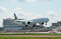 Sân bay quốc tế Pierre Elliott Trudeau-Montréal-Hành khách-Air Canada Boeing 777-333ER YUL 2009