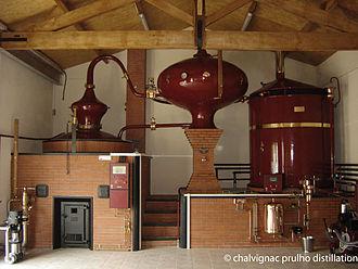 Alembic - Image: Alambic Charentais Chalvignac Prulho Distillation