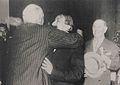 Alvear abraza a Palacios.pg.JPG