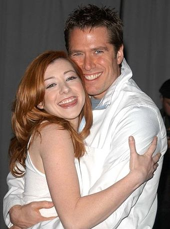 When did alyson hannigan and alexis denisof start dating