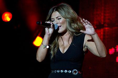 Spanish singer Amaia Montero performing in Rock in Rio 2012.