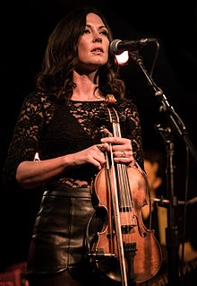 Amanda Shires performing in November 2016