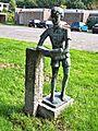 Amstelveen - Lezende jongen van Dick Stins - 02.jpg