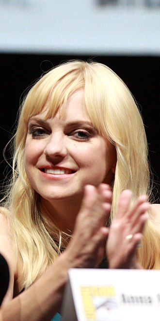 Cloudy with a Chance of Meatballs 2 - Image: Anna Faris, 2013 San Diego Comic Con cropped