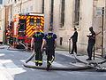 Après l'incendie de l'Hôtel Lambert, pompiers (Paris - 2013).JPG