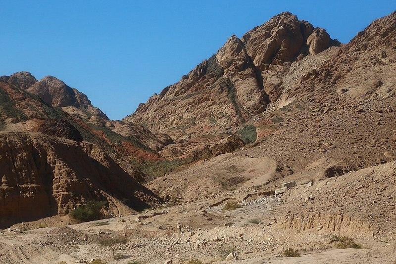 File:Aqaba Mountains - panoramio (13).jpg