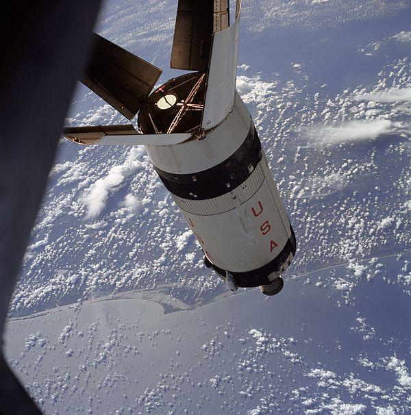अपोलो के SIVB राकेट के अलग होने का दृश्य