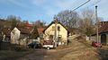 Běleč (Liteň), domy u potoka.jpg