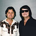 Backstage Photo with Bruce Johnston & Carl Wilson with Roy Orbison 1979 (cropped).jpg