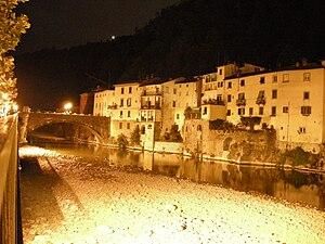 Bagni di Lucca - Bagni di Lucca by night .