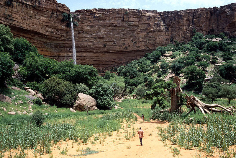 Arquivo: Bandiagara Escarpment Mali.jpg