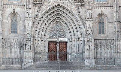 Barcelona Cathedral Santa Eulalia 08.jpg