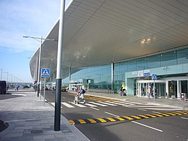 Barcelona El Prat International Airport - panoramio.jpg