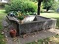 Bassin-lavoir de la Maison Delorme.JPG