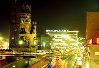 Berlin Kaiser-Wilhelm-Gedächtniskirche 02-1979 abends-1.jpg