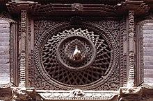Bhaktapur-22-Pfauenfenster-1976-gje.jpg