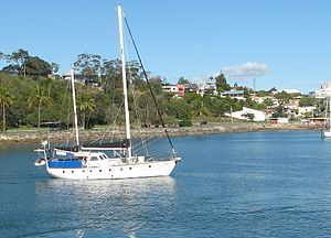 Boat heading back to the Gladstone Marina, Cen...