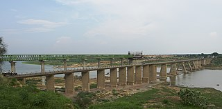 Bridge on Chambal river, India.jpg