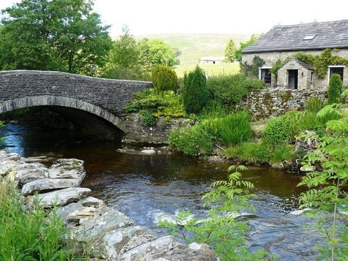 Bridge over the Dee at Cowgill - geograph.org.uk - 1370323.jpg