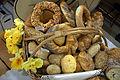 Brotstand auf einem beskidischen Ostermarkt 2015.jpg