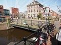 Brug 128 in de Westerstaat over de Lijnbaangracht foto 2.JPG