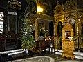Bucuresti, Romania. BISERICA RUSA (interior cu brad de Craciun) (B-II-m-A-18814).jpg