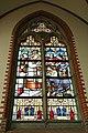 Budel - Kerkstraat 10 O.L. Vrouw Visitatie kerk - Gebrandschilderd raam.JPG