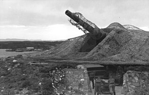 28 cm SK L/45 gun - Coast defense mounting of the SK L/45 gun at MAB 1./507 Husøya in Norway, during World War II