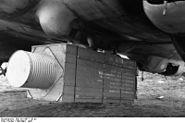 Bundesarchiv Bild 101I-667-7133-03, Russland, Verpflegungsabwurfkiste