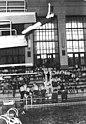 Bundesarchiv Bild 183-G0324-0033-001, Rostock, DDR.Hallenmeisterschaften im Turmspringen.jpg