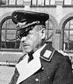 Bundesarchiv Bild 183-L06889, General Karl Kitzinger verleiht Eiserne Kreuze (cropped).jpg