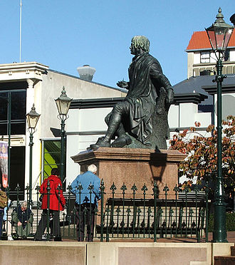 The Octagon, Dunedin - A statue of poet Robert Burns has pride of place in the upper Octagon.
