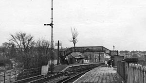 Busby, East Renfrewshire - Image: Busby railway station 1954897 9a 85c 608
