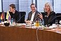 Canciller del Ecuador se reúne con parlamentarios alemanes en Berlín (8659431495).jpg